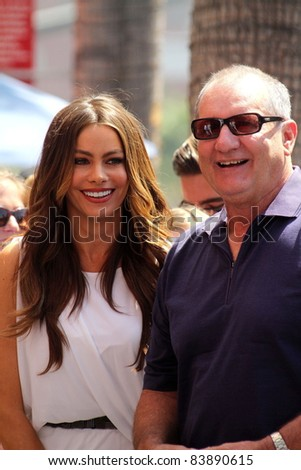 Sofia Vergara, Ed O'Neill at the Ed O'Neill Hollywood Walk Of Fame Induction Ceremony, Hollywood, CA. 08-30-11