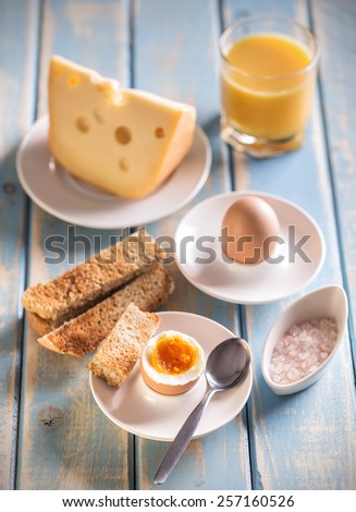 Soft boiled egg with toasted bread