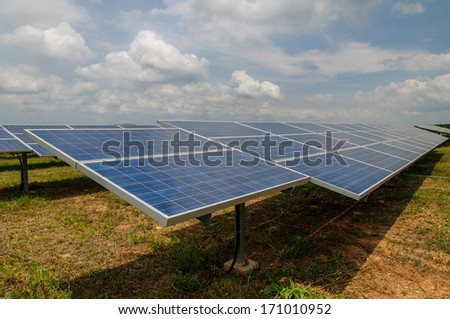 Solar Panels in the field - side view shot