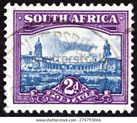 """SOUTH AFRICA - CIRCA 1950: A stamp printed in South Africa from the """"South African Architecture"""" issue shows Union Buildings, Pretoria, circa 1950.  - stock photo"""
