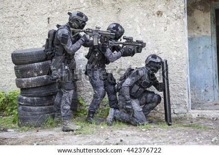 Spec ops police officer SWAT - stock photo