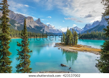 Spirit Island in Maligne Lake, Jasper National Park, Alberta, Canada