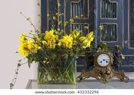 Spring bouquet with daffodils