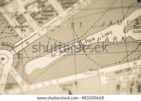 St Jamess Park Lake London Uk Stock Photo 483200668 Shutterstock