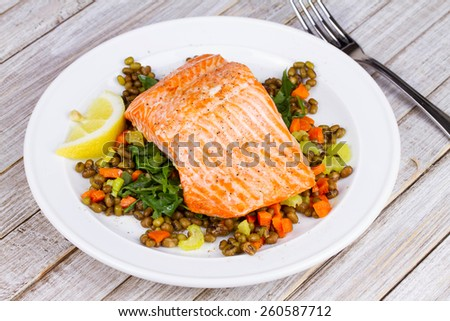 Steamed Salmon with Lentils and Arugula