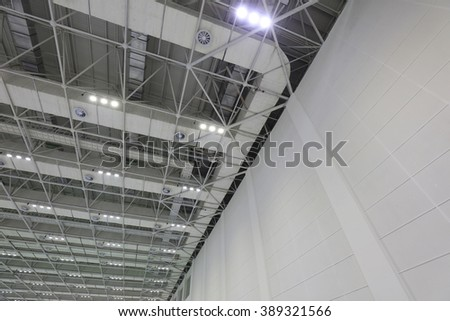 steel structure geometry construction in a hall