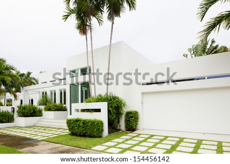 Stock image of a South Florida single family house - stock photo