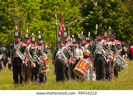 STONEY CREEK, ONTARIO, CANADA - JUNE 6 : War of 1812 re-enactment of marching band at Stoney Creek Ontario, June 6, 2011