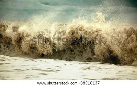 stormy waves in the sea (photo) - stock photo