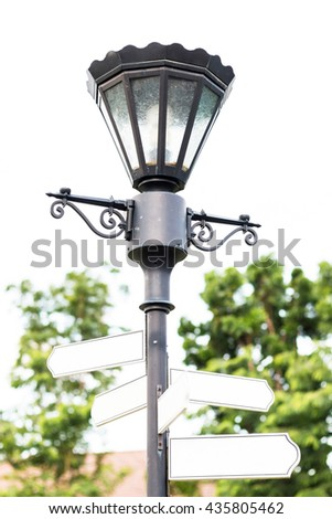 streetlight with label