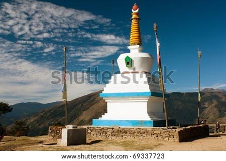 stupa on taxindu la pass near ringmu - trek Jiri bazar to everest base camp - nepal - stock photo
