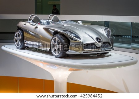 STUTTGART, GERMANY- MARCH 19, 2016: The concept car Mercedes-Benz F400 Carving, 2001. Mercedes-Benz Museum.