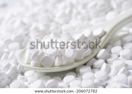 Sugar substitute pills - stock photo