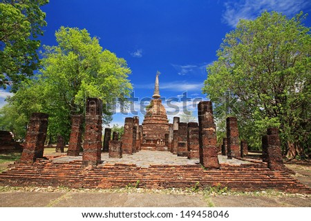 Sukhothai landmark, Wat Chang Lom, elephant statues attached around ancient pagoda, Thailand