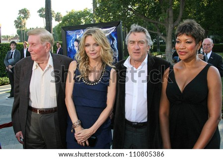 "Sumner Redstone and Michelle Pfeiffer with Robert De Niro and Grace Hightower at the Los Angeles Premiere of ""Stardust"". Paramount Studio Theatre, Hollywood, CA. 07-29-07 - stock photo"