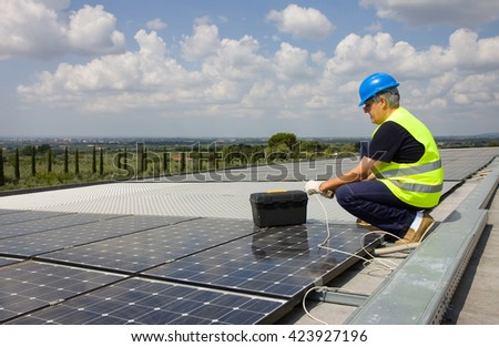 sun energy, fitting the panels