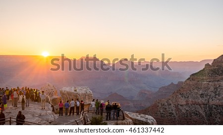 Sunrise from Mather Point in Grand Canyon