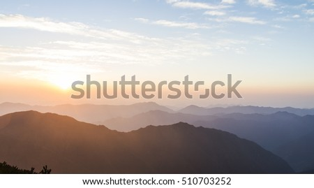 Sunrise mountain scenery