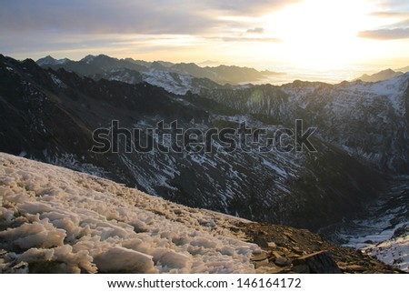 Sunrise on the 3rd peak of Siguniangshan Mountains, Sichuan, China, 5200m high