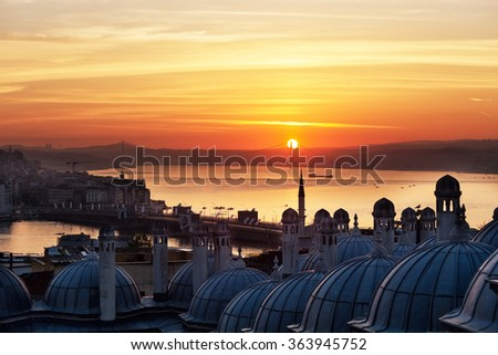 Sunrise over the Bosphorus, the view of the Suleymaniye Mosque, Istanbul - stock photo