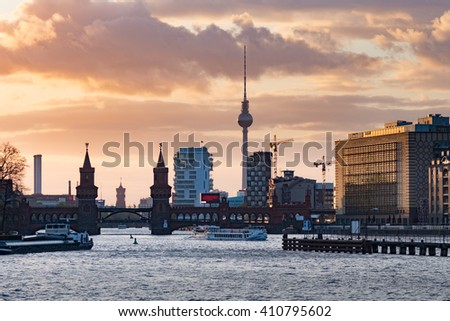 Sunset at the Oberbaum bridge in Berlin, Germany