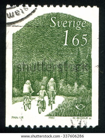 SWEDEN - CIRCA 1983: stamp printed by Sweden, shows family rides bicycles, circa 1983