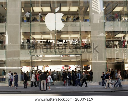 SYDNEY - JUNE 21: Apple Opens its first official Australian store with crowds waiting in line for over 24 hours  June 21, 2008 in Sydney, Australia. - stock photo