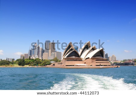SYDNEY - NOV 24: The Sydney skyline and Opera House on Nov 24, 2009 in Sydney, Australia. - stock photo