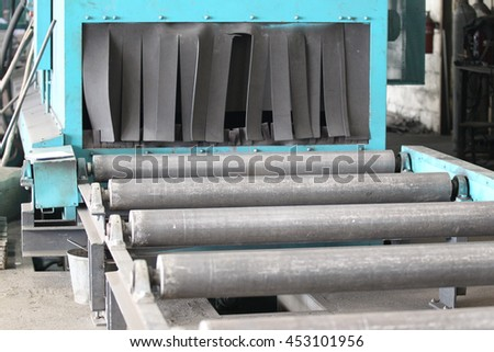 system of rollers for feeding and movement of various metal rolling