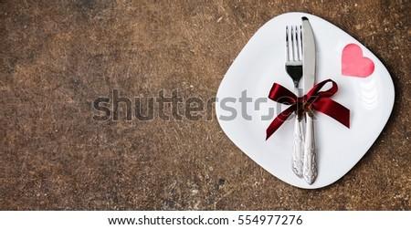thiết lập cho ngày cưới và bảng Valentine