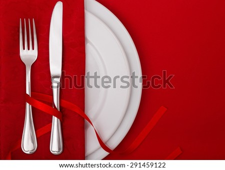 Tableware, tablecloth, meal.