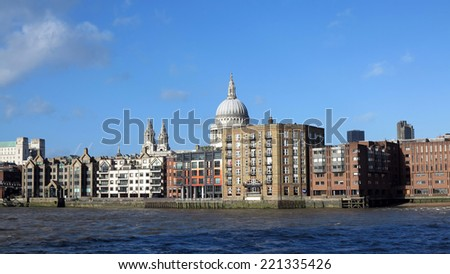 tahmes river in london, england - stock photo