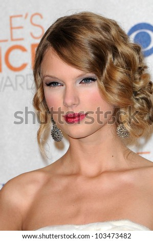 Taylor Swift at the 2010 People's Choice Awards Press Room, Nokia Theater L.A. Live, Los Angeles, CA. 01-06-10