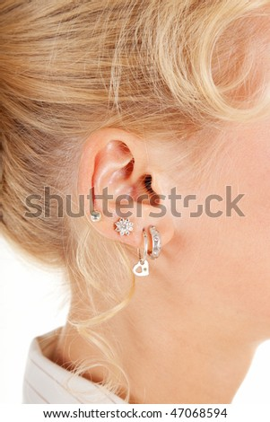 how to close ear piercing