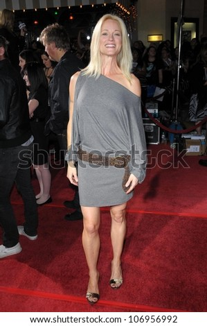 Teri Polo  at the Los Angeles Premiere of 'Twilight'. Mann Village, Westwood, CA. 11-17-08