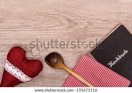 Textfreiraum f���¼r Menu Karte mit Kochl���¶ffel, Kochbuch und Herz - stock photo
