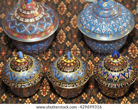 Thai 5-Colors Porcelain, Thai Art Porcelain HandiCrafts, Thai Handicraft Product and Souvenir