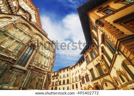 The Basilica di Santa Maria del Fiore (Basilica of Saint Mary of the Flower) and the surrounding architecture, Florence, Italy