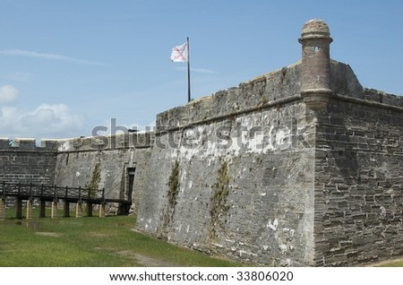 The Burgundian Saltire Flag & Entrance to Castillo de San Marcos - Landscape