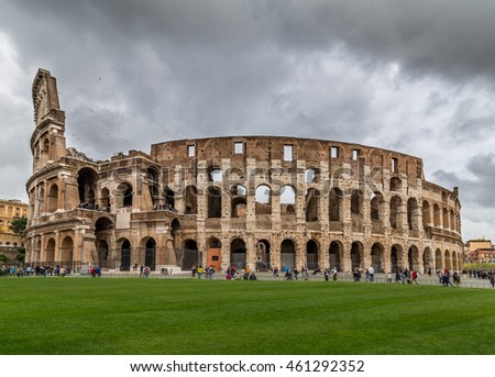 The colloseum in Rome on a cloudy day