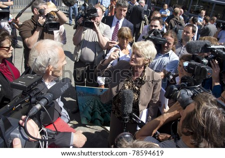 THE HAGUE, HOLLAND - MAY 27: International TV crews in front of the Yugoslavia Tribunal in The Hague, Holland, on May 27, 2011 where Serbian ex-general Mladic is prosecuted for war crimes