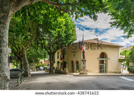The hill top village of Beaumont de Pertuis in the Luberon Provence - stock photo