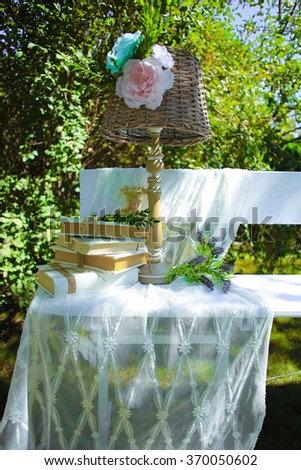 The lamp on the bench wedding decorations