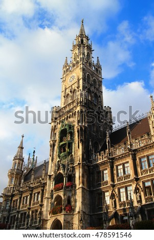 The New Town Hall and the Church of our Lady at Marienplatz with blue sky, Munich, Bavaria, Germany, Europe