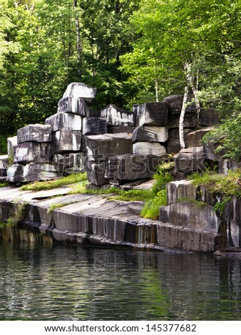 The oldest marble quarry in the U.S is In Dorset, Vermont,  operational from 1785 to 1917.