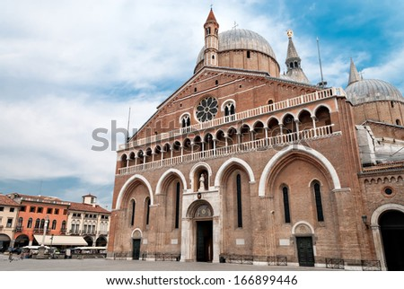 The Pontifical Basilica of Saint Anthony of Padua is a Roman Catholic church and minor basilica in Padua, northern Italy. - stock photo