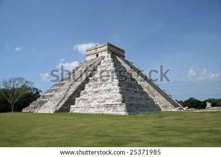The Pyramid of Kukulkan-El Castillo-in Chichen Itza.Mexico