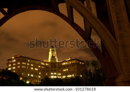 The Richard H. Chambers U.S. Court of Appeals for the Ninth Circuit Court building in Pasadena, California framed by the Colorado Street Bridge.