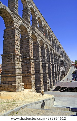 The Roman aqueduct of Segovia, probably built c. A.D. 50, is remarkably well preserved, Castilla y Leon, Spain, World Heritage Site by UNESCO - stock photo