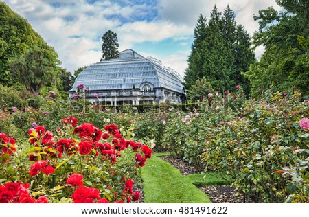 The Rose Garden and Cunningham House, the conservatory, Christchurch Botanical Gardens, Hagley Park, Christchurch, New Zealand.